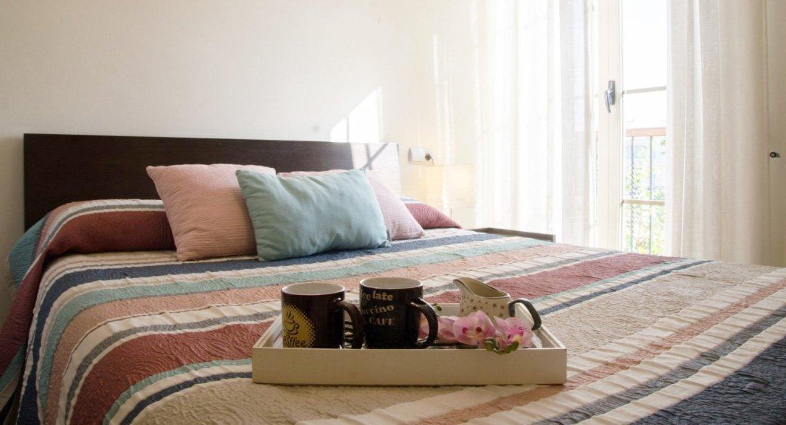 dormitorio limpio y ordenado para vender