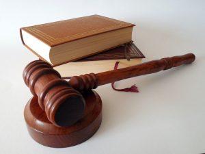 martillo y leyes