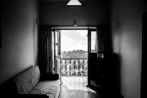 piso sin amueblar y descuidado